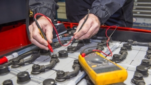 Increase Fuel Efficiency by Choosing the Right Forklift Battery